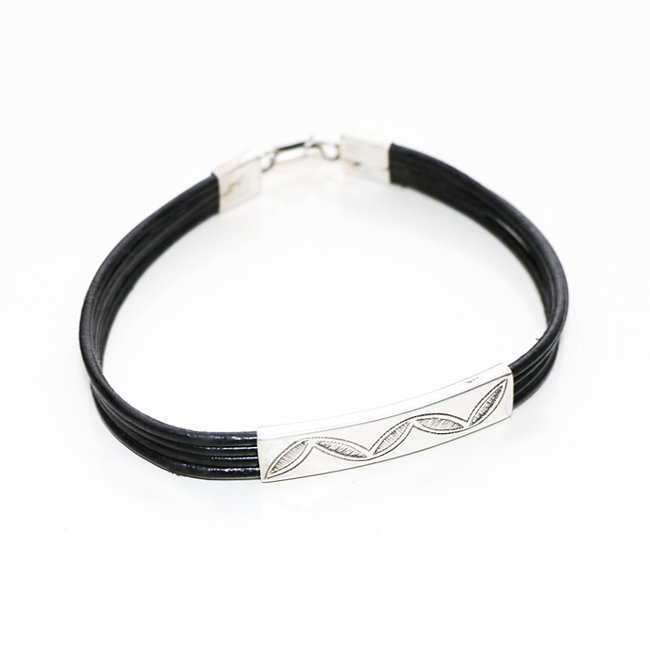 Bracelet touareg rectangle argent 925 cordon cuir noir - Niger 009