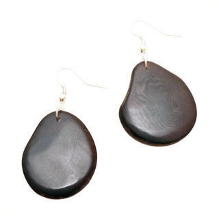 Boucles d'oreilles graine de tagua pétale gris - Tagua and Co 002