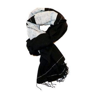 -60% Echarpe foulard chèche en soie et coton bleu Sophia - Dana ... 0c35a8ce00d