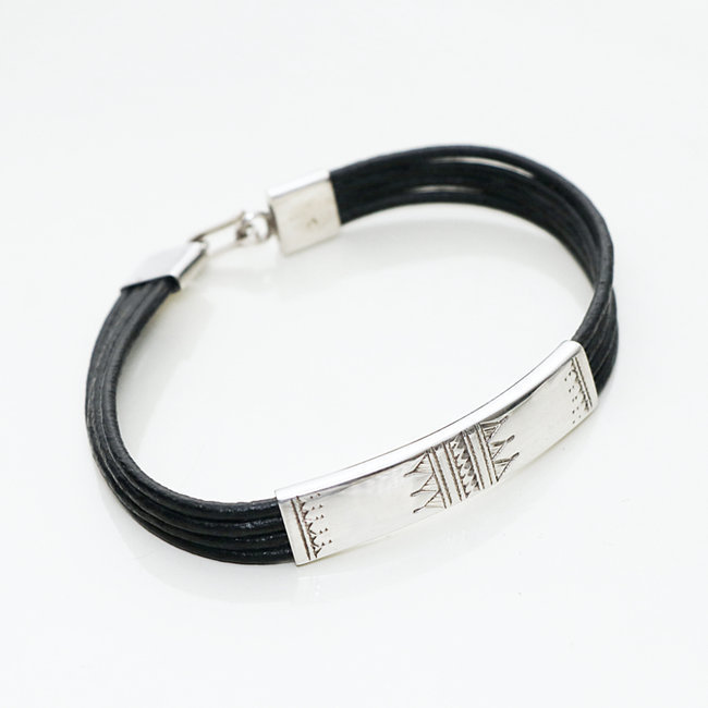 Bracelet touareg rectangle argent 925 cordon cuir noir - Niger 003