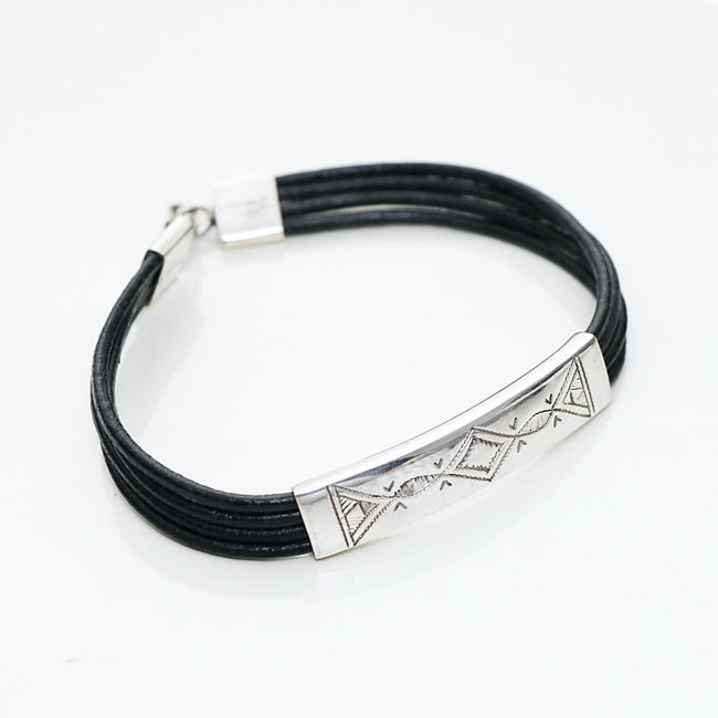 Bracelet touareg rectangle argent 925 cordon cuir noir - Niger 002