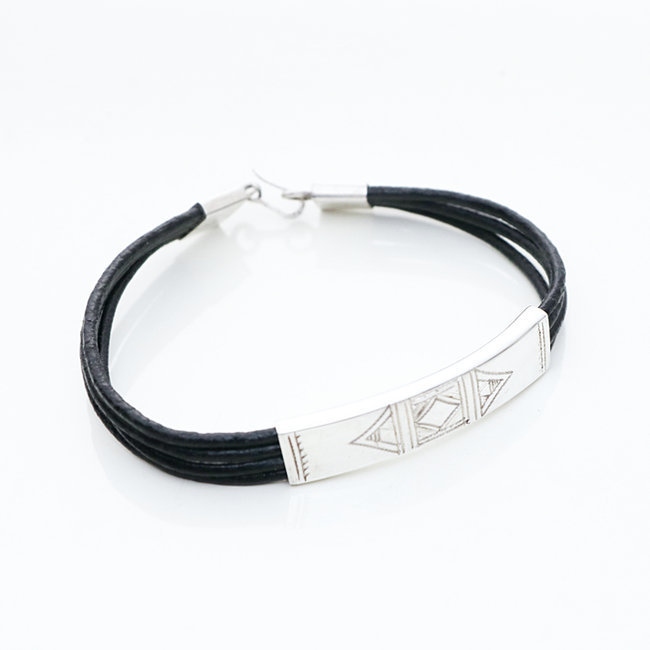 Bracelet touareg rectangle argent 925 cordon cuir noir - Niger 001