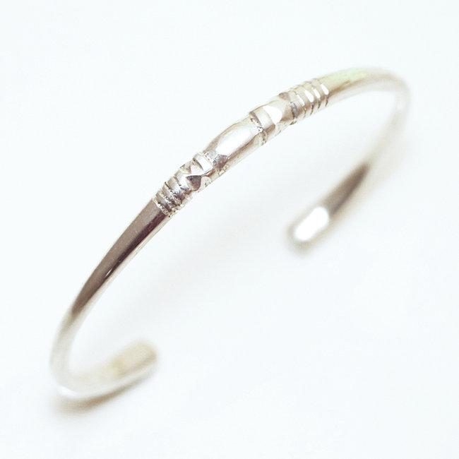 Bracelet touareg jonc ouvert rond perlé argent 925 , Niger 060
