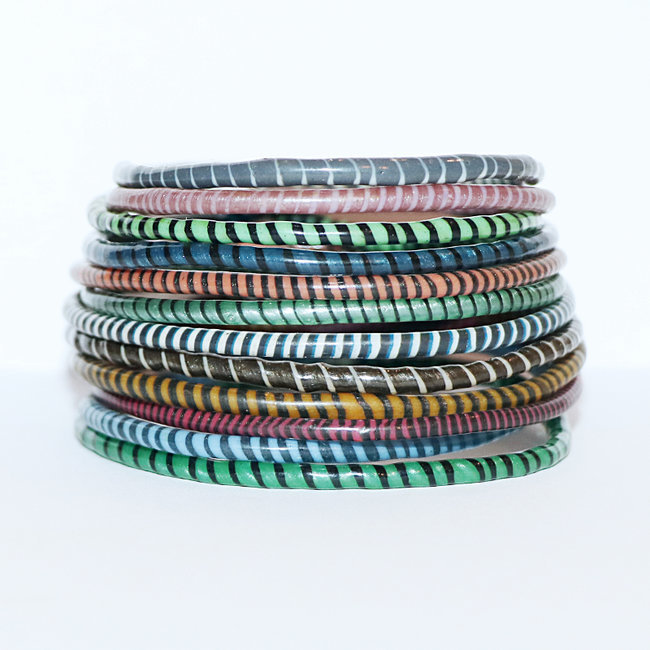 Lot de 12 bracelets Jokko en plastique recyclé mix Multicolore sombre - Mali 083